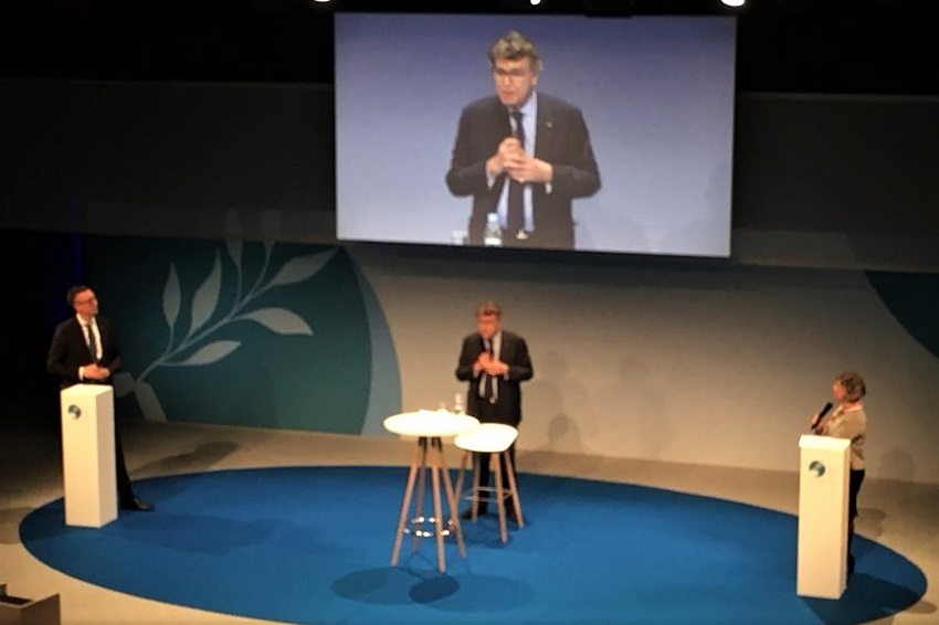 Sebastian GROTH, Thierry DE MONTBRIAL, Maty NIKKHOU-O'BRIEN, Forum de Paris sur la Paix