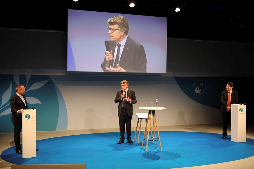 Oleg STEPANOV, Thierry DE MONTBRIAL; Henry WANG, Forum de Paris sur la Paix