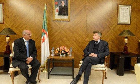 Thierry de Montbrial et Abdelkader Messahel, Ministre des affaires étrangères algérien